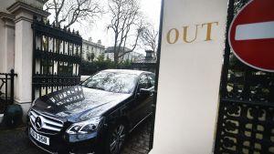 Venäläinen diplomaatti lähtee Venäjän Lontoon suurlähetystöstä
