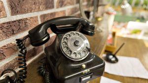 Vanha puhelin