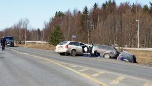 Liikenneonnettomuus Hailuodontiellä Oulunsalossa.