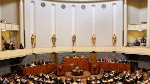 Nuorten parlamentti kokoontuu eduskunnassa vuonna 2018.