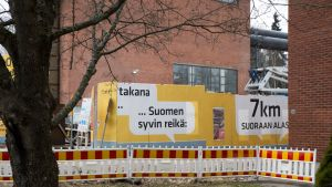 St1 rakennustyömaan kyltit