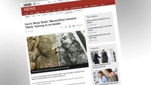 Kuvakaappaus BBC:n sivuilta muumiouutisesta.