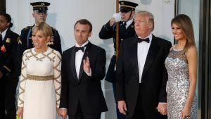 Ranskan presidentti Emmanuel Macron sekä Yhdysvaltain presidentti Donald Trump puolisoineen