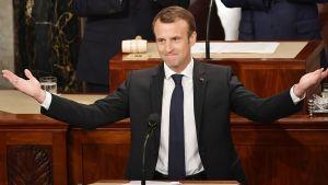 Emmanuel Macron puhu Yhdysvaltain kongressissa.