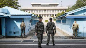 Etelä-Korean sotilaita vartiossa Panmunjomissa.