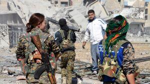 Yhdysvaltain tukema liittouma ajoi Isisin pois kaupungista viime vuoden lokakuussa.