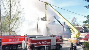Tulipalo Rekolassa.