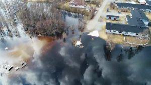 tulva-alue ja taloja