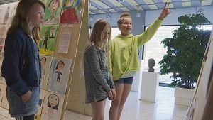 Forssan kuvataidekoululaisia näyttelyssä