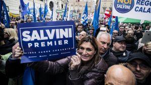Pohjoisen Liiton mielenosoitus Roomassa joulukuussa 2017.