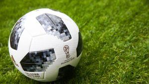 Jalkapallo kentällä