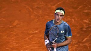 Nicolas Kicker tenniskentällä.