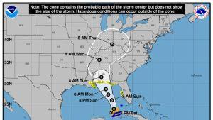 Kartassa näkyy myrskyn kulkeminen kohti pohjoista.