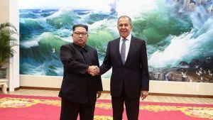 Kim Jong-un ja Sergei Lavrov.
