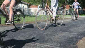 Töyssyjä pyörätiellä