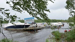 Virvelinranta Hämeenlinnassa, laituri hieman irti