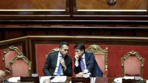 Italian pääministeri Giuseppe Conte ja työministeri Luigi Di Maio.