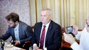 Antti Rinne ja Timo Harakka