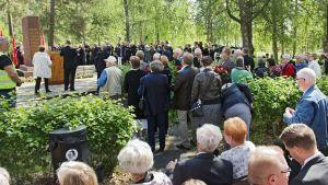 Tie Tammisaareen -100-vuotismuistotapahtuma Suomen suurimman joukkohaudan hautamuistomerkillä Tammisaaressa.