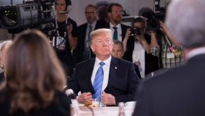 Yhdysvaltain presidentti Donald Trump kuvattuna G7-kokouksen aamiaisella 9. kesäkuuta.