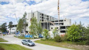 Kainuun keskussairaalan rakennustyöt harjannostajaiset