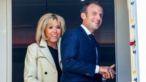 Emmanuel ja Brigitte Macron