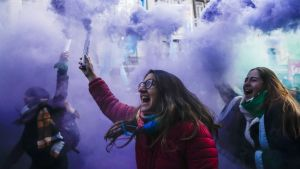 Abortin kannattajat juhlivat Buenos Airesissa