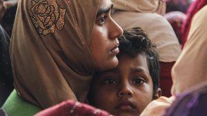 Rohingya-pakolaisia veneessä Kedahissa, Malesiassa 3. huhtikuuta.