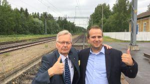 Leo Laukkanen ja Roman Lubitch tutustuivat Haukivuoren aseman seutuun yhdessä.