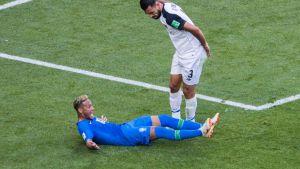 Neymar vaatii pilkkua