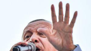 Recep Tayyip Erdoğan pitää puhettaan Istanbulissa 22. kesäkuuta.