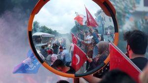 Recep Tayyip Erdoğanin kannattajat juhlivat sunnuntai-iltana.