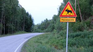 Peuroista varoittava liikennemerkki