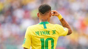 Neymar Serbia-ottelussa.