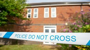Poliisin eristämä alue Amesburyssä