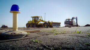 Kiihdytysradan rakennustyöt aloitettiin Kauhavan lentokentällä tällä viikolla.