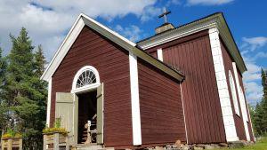 Kolarin vanha kirkko Kolarinsaaressa.