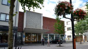 Rakennus sijaitsee Lappeenrannan keskustassa.
