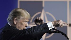 Yhdysvaltain presidentti Donald Trump piti lehdistötilaisuuden Brysselissä Nato-kokouksen yhteydessä.