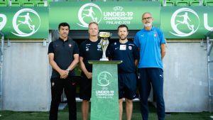 Lohko A joukkueiden päävalmentajat. Vasemmalta Helio Sousa (POR), Juha Malinen (FIN), Pål Arne Johansen (NOR) ja Paolo Nicolato (ITA)