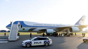 Air Force One laskeutunut Helsinki-Vantaa lentokentälle
