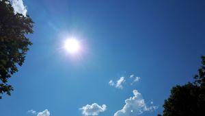 Aurinko paistaa Vaasassa lämpöennätyspäivänä