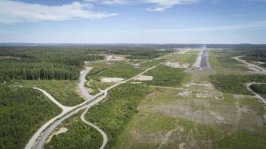 Tältä näyttää Tampereen-Pirkkalan lentokentän yläpuolella.