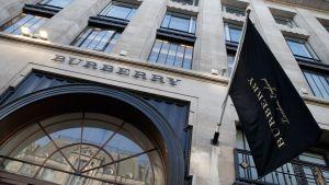Burberryn liike Lontoossa