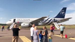 Czech Airlinesin lentokone Helsinki-Vantaan lentokentällä.