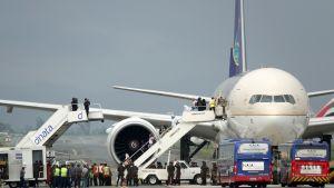 Saudia-lentoyhtiön kone kentällä