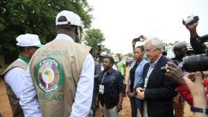 EU:n vaalitarkkailijoiden päällikkö Cecile Kyenge puhuu toimittajille bamakossa, Malissa.