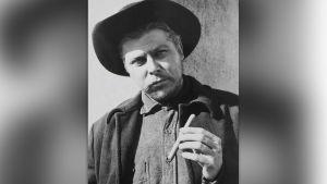 Albert Salmi vuonna 1957 elokuvassa The Bravados.