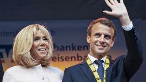Ranskan presidentti Emmanuel Macron ja hänen puolisonsa Brigitte Macron.