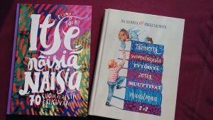 kaksi kirjaa
